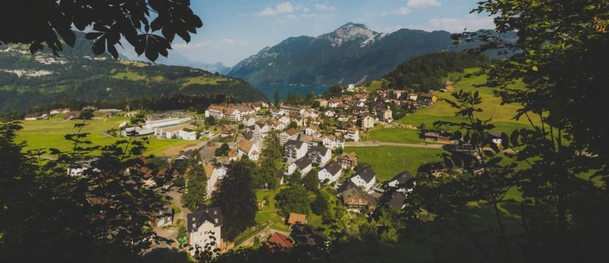 Morschach mit See und Rigi/Urmiberg